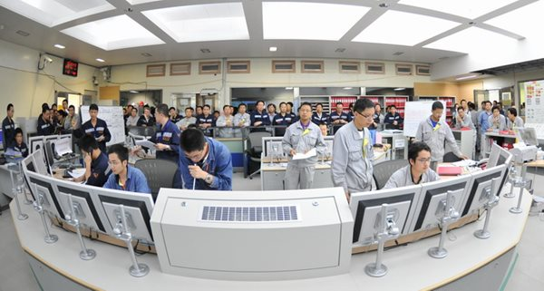 Workers bring CGN's Ling Ao Phase II unit 1 to first criticality in July 2010